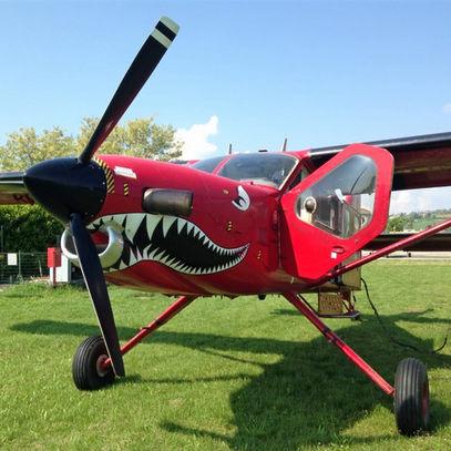 Casale-monferrato-parachute-plane.jpg