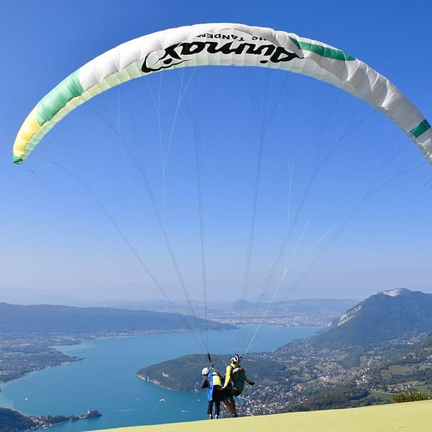 paragliding-paraglider-lake-annecy-haute