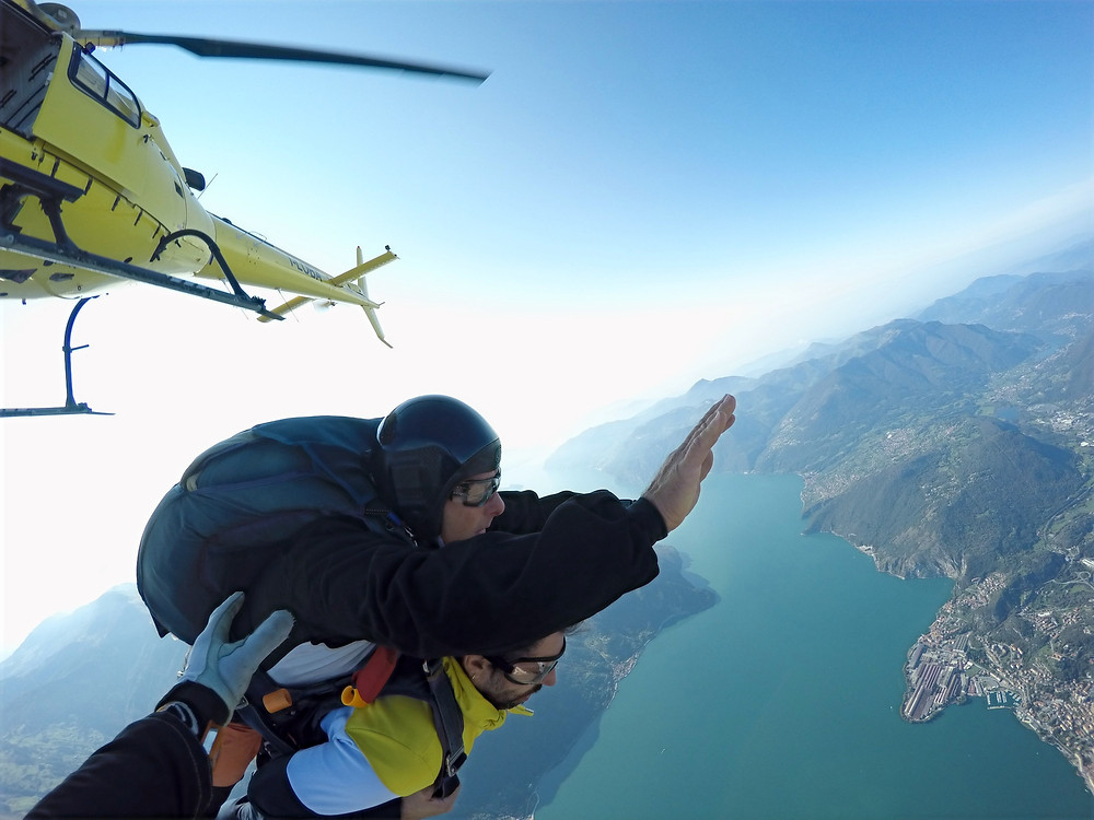 Paracadutismo dall'elicottero in Lombardia