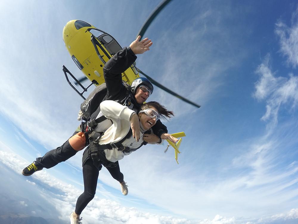 lancio in paracadute sopra milano