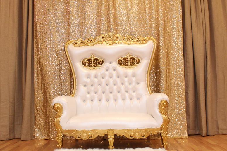 Adults-Throne-Love-Seay-L.jpg