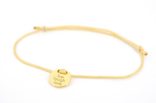 Armband Gold Plättchen mit Gravur Lebe Liebe Lache als Geschenk für Familie oder Freunde individuell angefertigter Schmuck