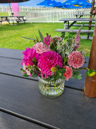 Small Vase arrangment