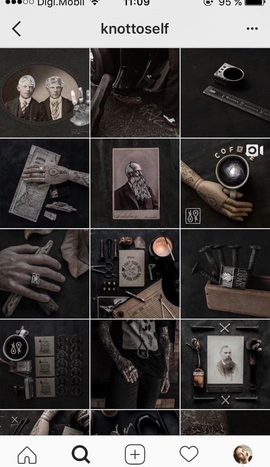 instagram-feed-themes-dark.jpg