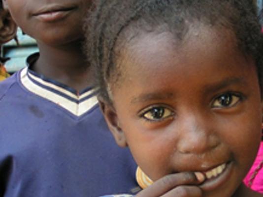 Hoffnung und Zukunft - Bildung: Einen Grundstein legen!