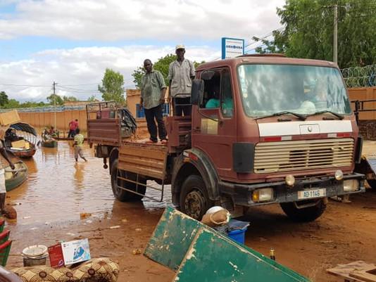 Jahrhundertflut in Niger – Klimawandel? Über 60 Tote. Ganze Dörfer sind dem Erdboden gleich -  35000