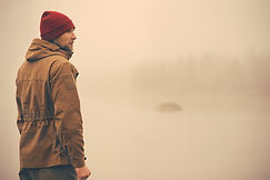 L'homme dans la brume