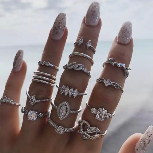 Fifteen piece ring set