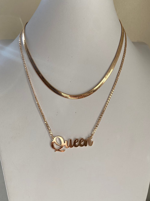 Queen dainty necklace