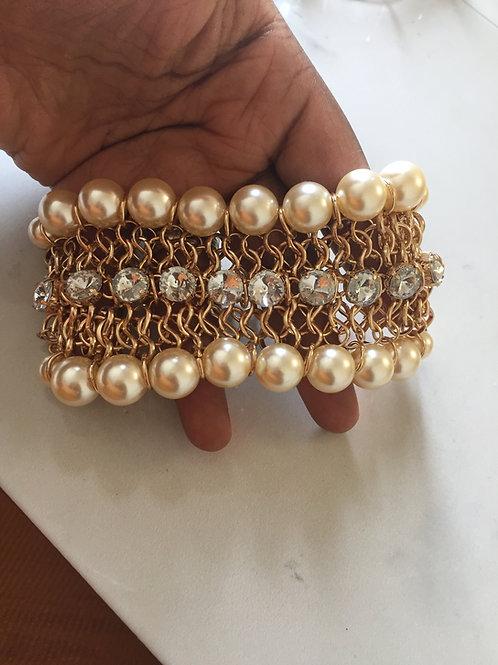 Chunky pearl bracelet