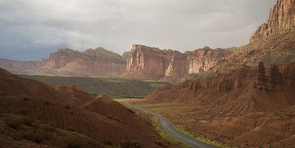 sLa route qui serpente Capitol Reef en Utah