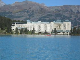 l'environnement du Lake Louise et l'hôtel Chateau Fairmont