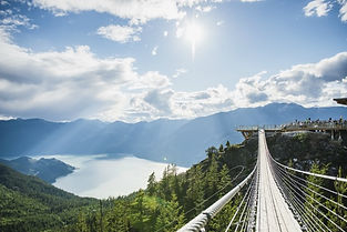 Bridge -Sky to Highway Gondola Colombie britannique Canada