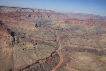 Vue aérienne grand canyon fleuve colorado