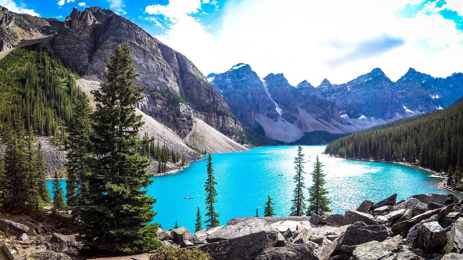 Lake-Moraine---rocheuses-canadiennes-com