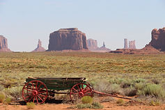 monument-valley-1756466_1920-compressor(