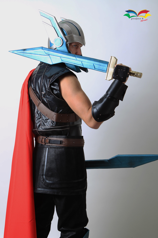 Thor Ragnarok costume sideway back with sword