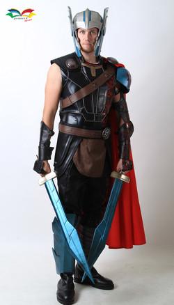 Thor Ragnarok costume fullbody front with helmet