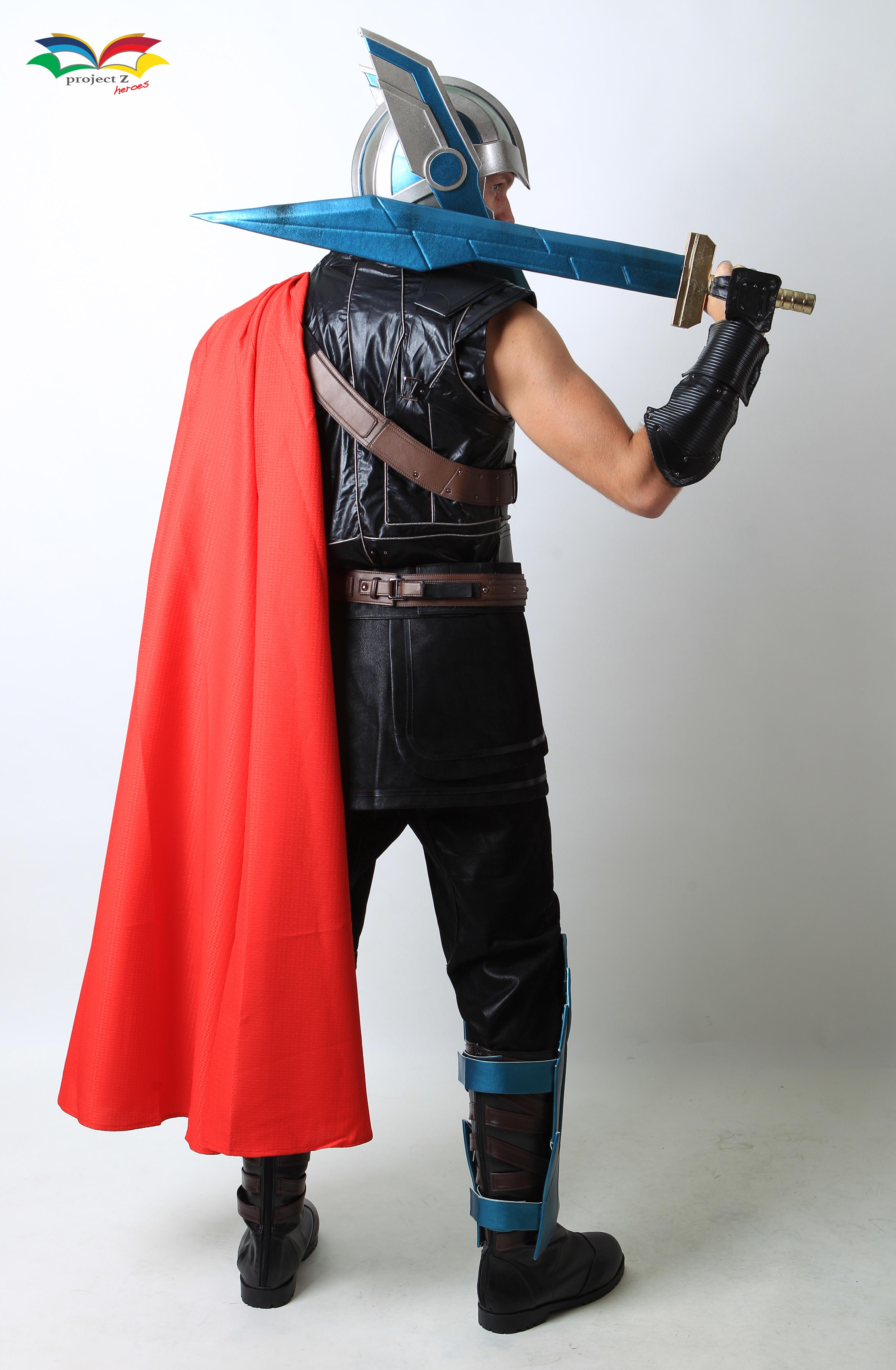 Thor Raknarok costume backside fullbody