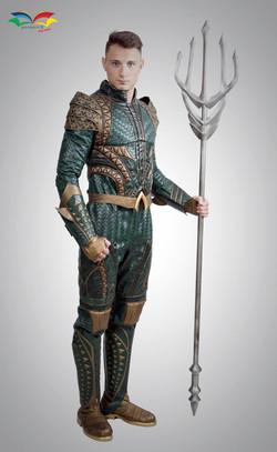Aquaman costume sidefront