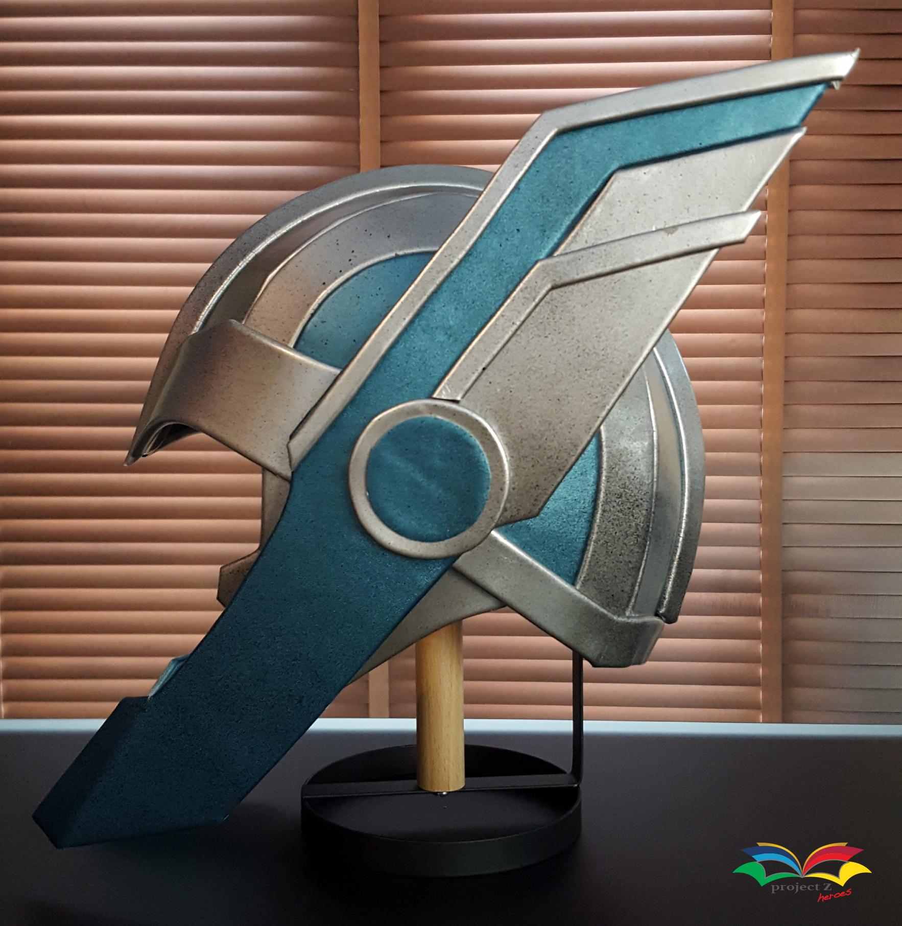 Thor Ragnarok helmet side