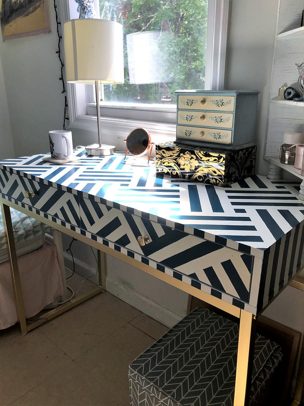 DIY stripe pattern desk using chalk paint and acrylic. Blue and white design