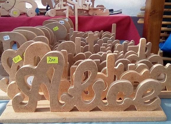 Letras em madeira