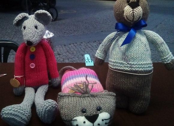 Bonecos de tricô em fio de algodão