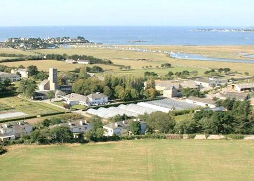 Le centre se situe sur la Pointe de Pen Lan à Billiers dans le Morbihan