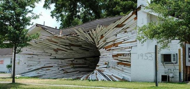 Essentiel pour cette maison de bois hache pour artisan du batiment.