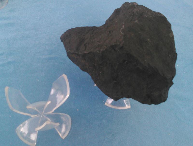 Présentoir tulipe pour présentation de minéraux.