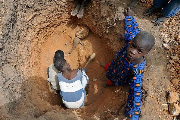 Exploitation d'enfant au Mali pour les mines d'or, plus de 20000 enfant exploités