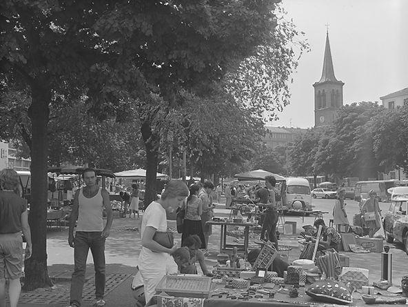 Marché aux puces à Genève en 1983
