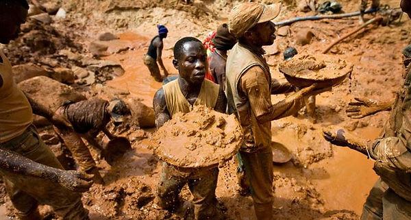 République Démocratique du Congo des tonnes d'or sotent du pays illégalement chaques années