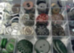 Des boutons pour la création de bijoux ou la confection