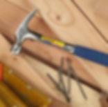 Marteau Estwing de charpentier, batisseur, Estwing France spécialiste de l'outillage à main Américain St Genis Pouilly, Ain (à coté de Genève) Marteaux à clou, hache, pied de biche, matériel de géologie, de toiture, de maçonnerie, de charpentier de carrossier.