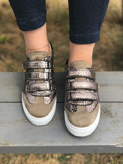 Sneakers VANESSA WU taupe