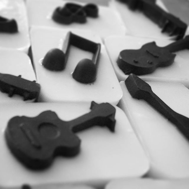 A view of the custom music-themed charcoal and goat milk soaps made by _mercosmetics for the Telluri