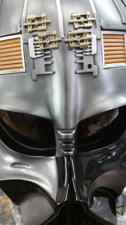 Repair a damaged Vader Bust