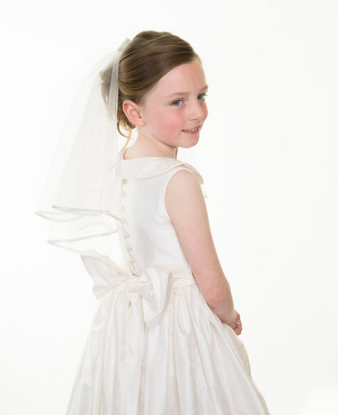 professional communion photographer in studio in your home