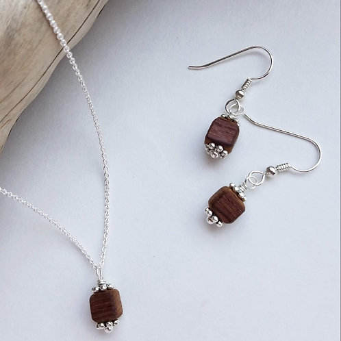 Charming Barrel Bead Necklace
