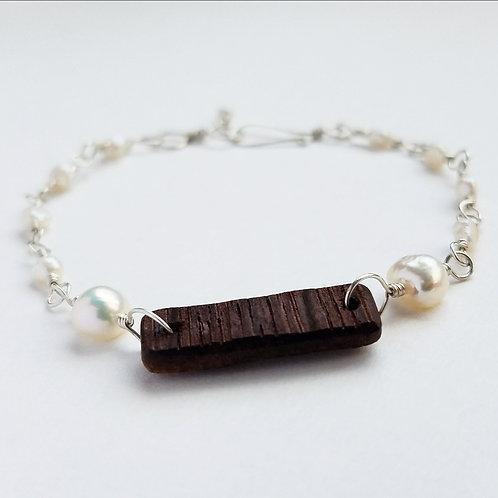 Amy Lynn Pearl Bracelet