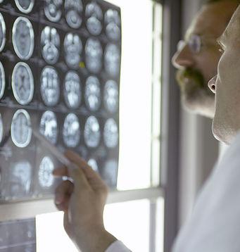 Suchen Sie Ärzte bei Röntgenstrahlen