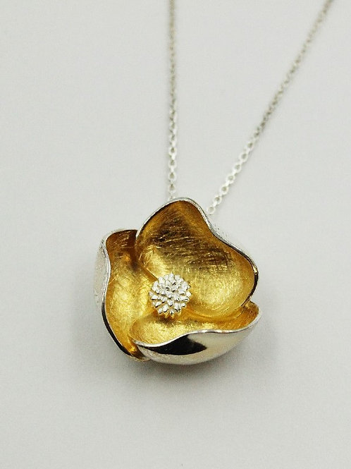 Sterling silver petal style pendant