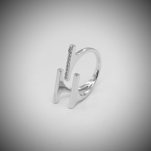 18ct white gold triple bar style ring
