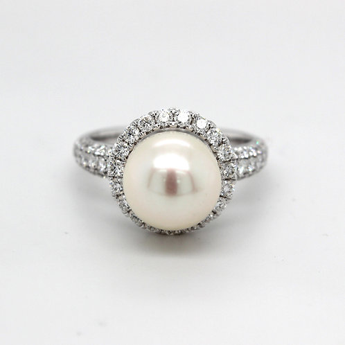 18ct white gold , diamond & Akoya pearl ring