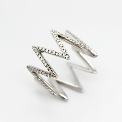 18ct white gold zig zag diamond studded ring