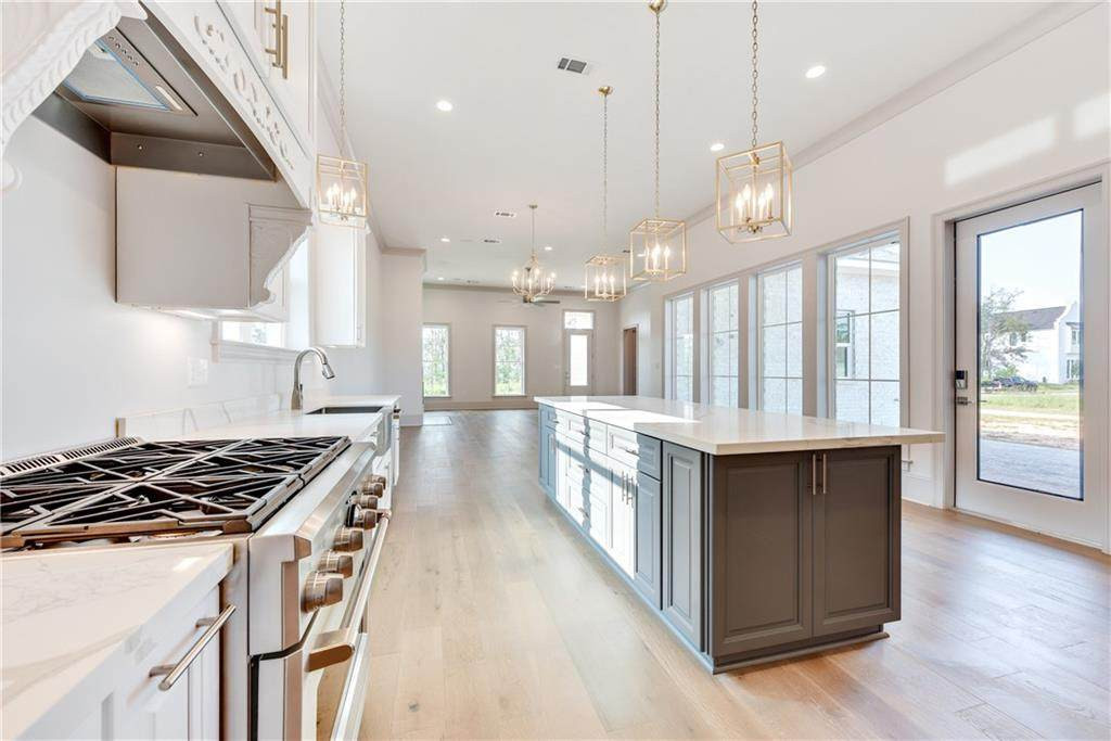 124 Bay Tree Manor Kitchen