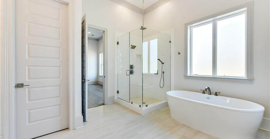 124 Bay Tree Manor Master Bath