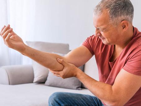 ¿Por qué me duele el codo y se me duerme la mano si uso mucho el celular?